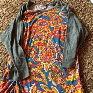 Large LuLaRoe randy shirt.